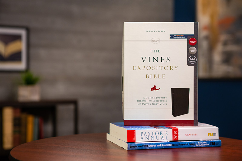 NKJV The Vines Expository Bible